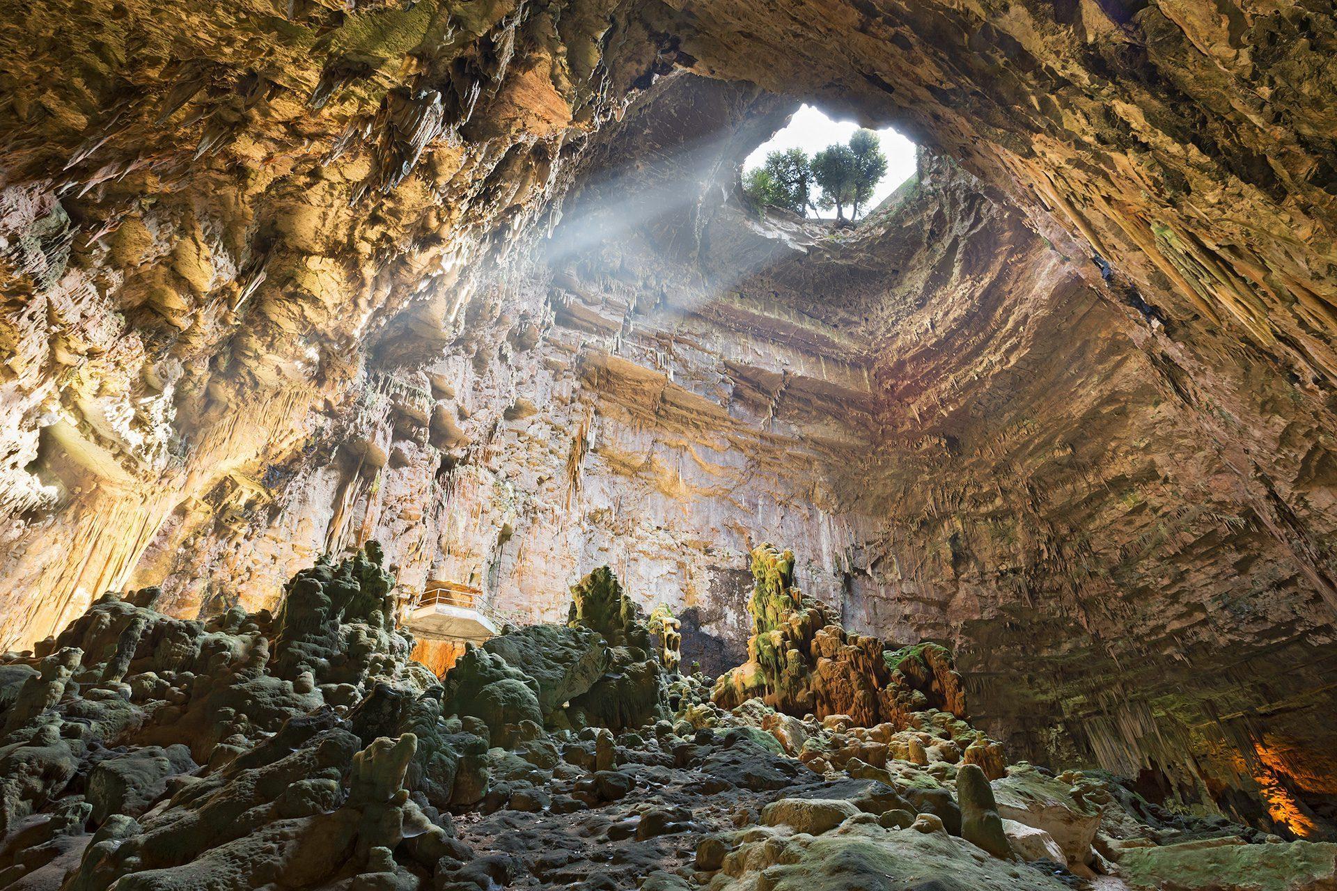 Risultati immagini per grotte di castellana